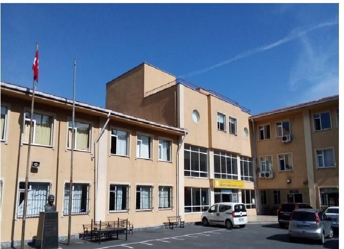 Bratska škola u Istanbulu Behcet Canbaz Anadolu Lisesi